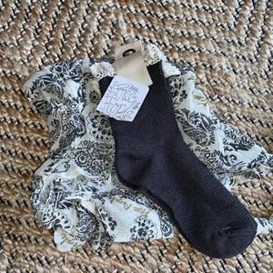 NWT Socks & Tote